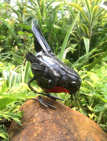 Recycled Metal Red Robin (Pecking)