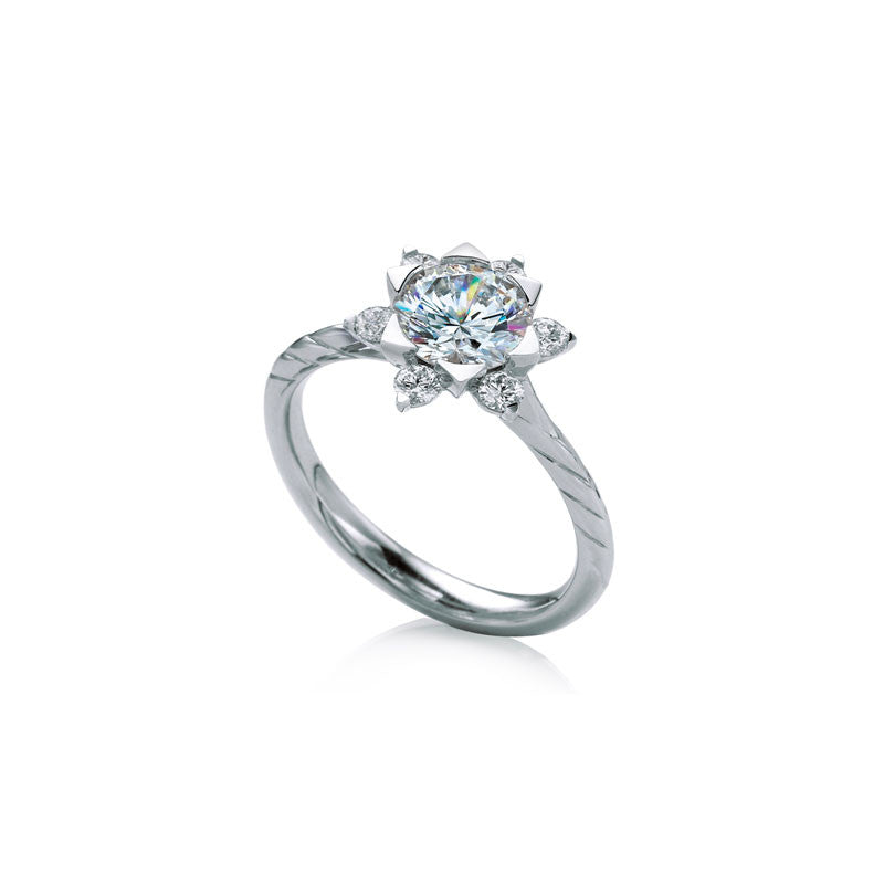 Mallow Round Brilliant Diamond Engagement Ring