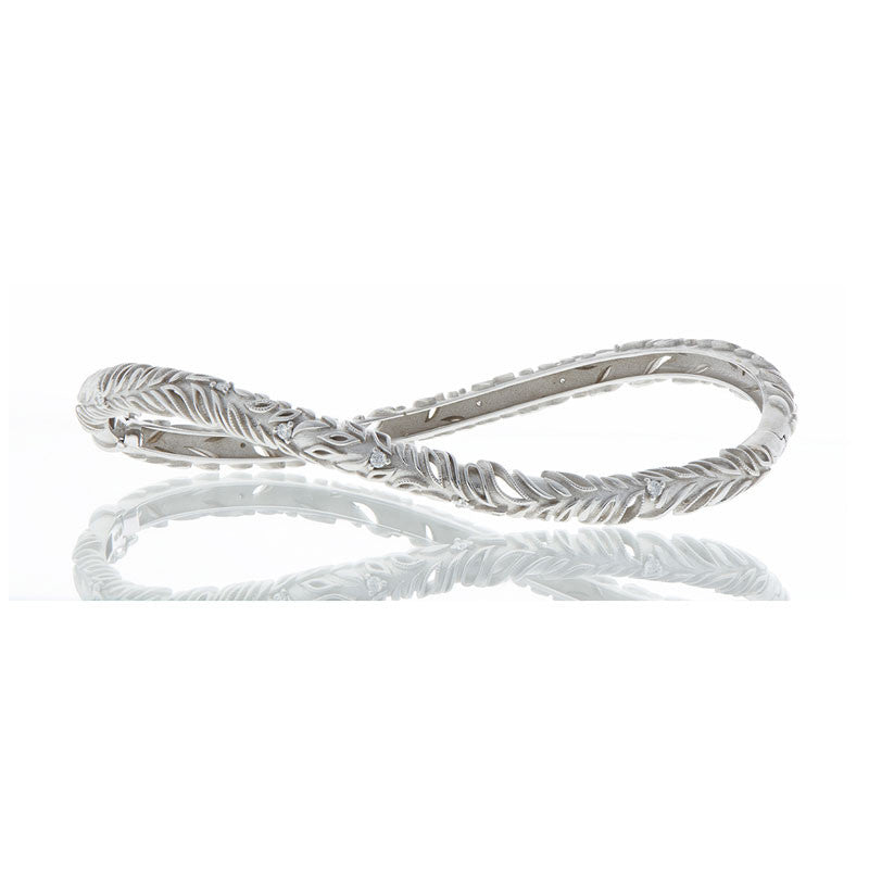 Forevermark Devotion Cut Diamond Curved Bracelet