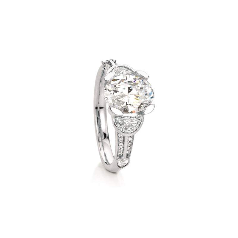 Maevona Glasgow Three-Stone Diamond Enagement Ring