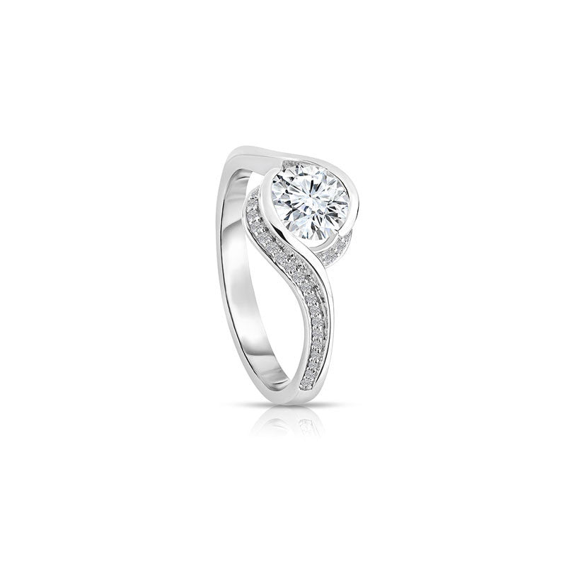 Maevona Moray Round Brilliant Diamond Engagement Ring