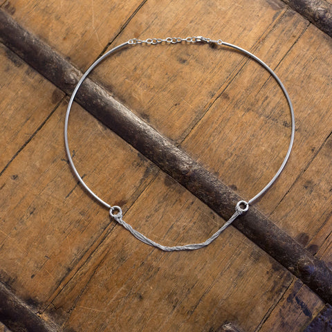 Rhodium Plated Collar with Chain Front