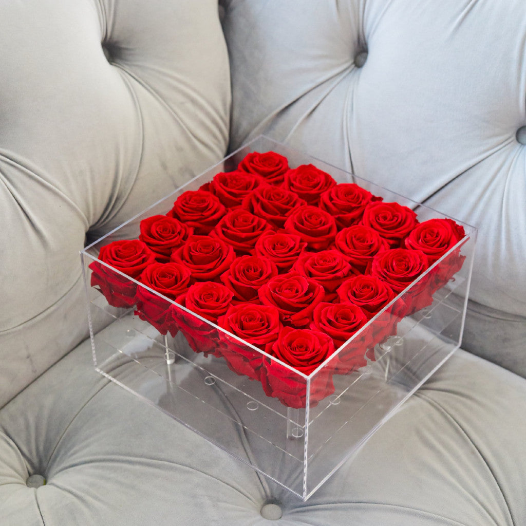 Acrylic Box square for 25 roses