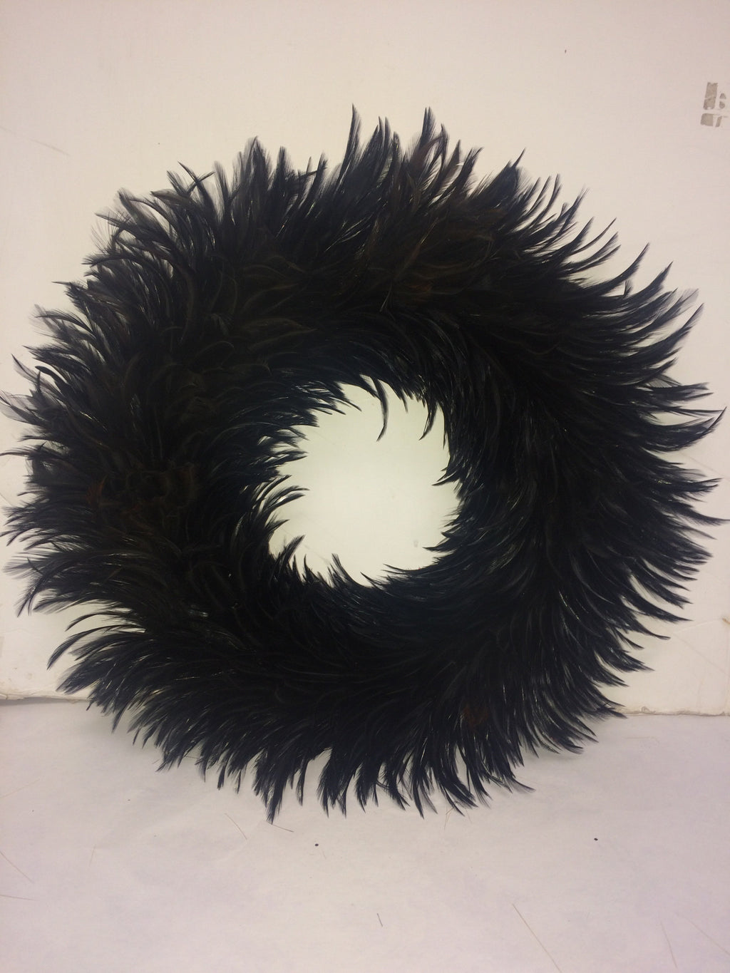 15'' Black Swan Wreath