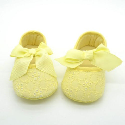 Pale Yellow Bow Eyelet Lace Baby Crib Shoes Soft Sole