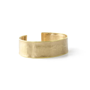 Hammered Cuff in Yellow gold