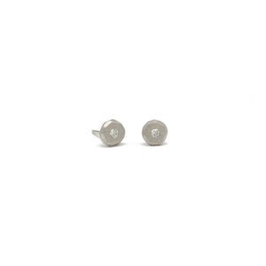 1.7 White Gold Pebble Studs