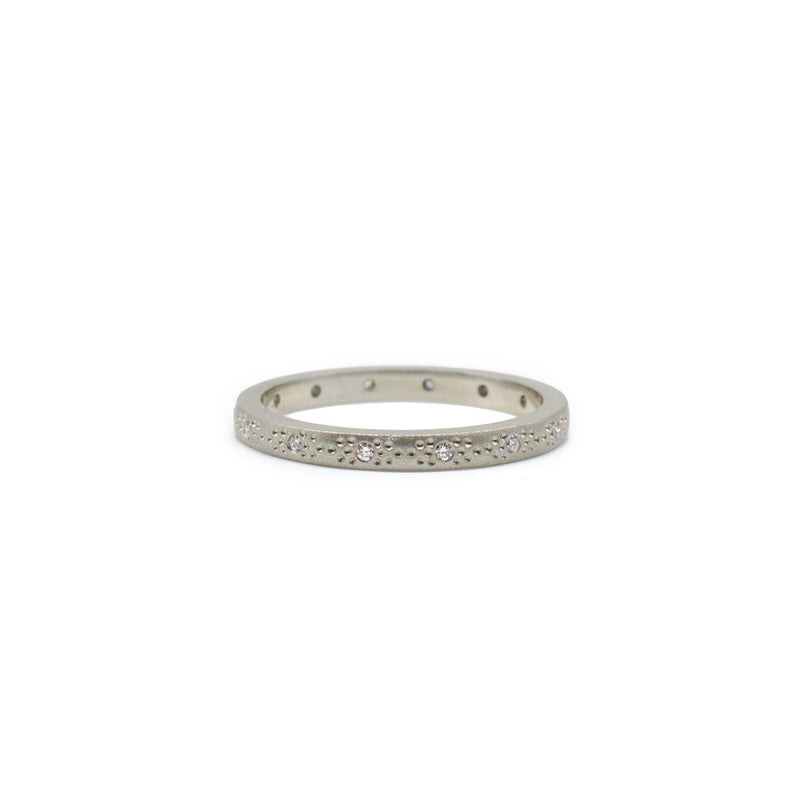 Thin White Gold Patterned Band