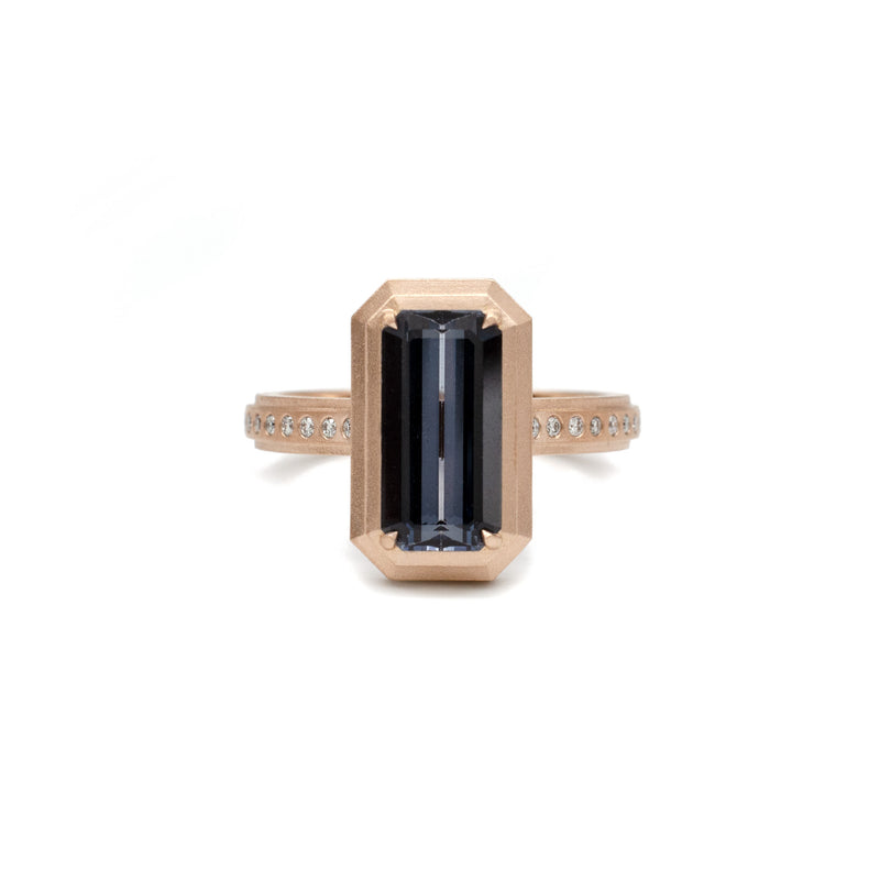 Spinell Slim Line Ring