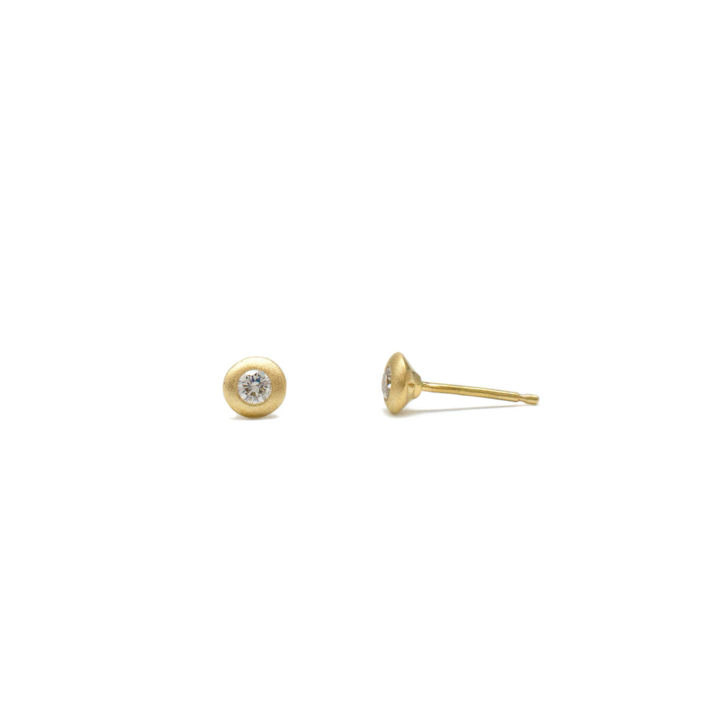 Saucer Studs in Yellow Gold