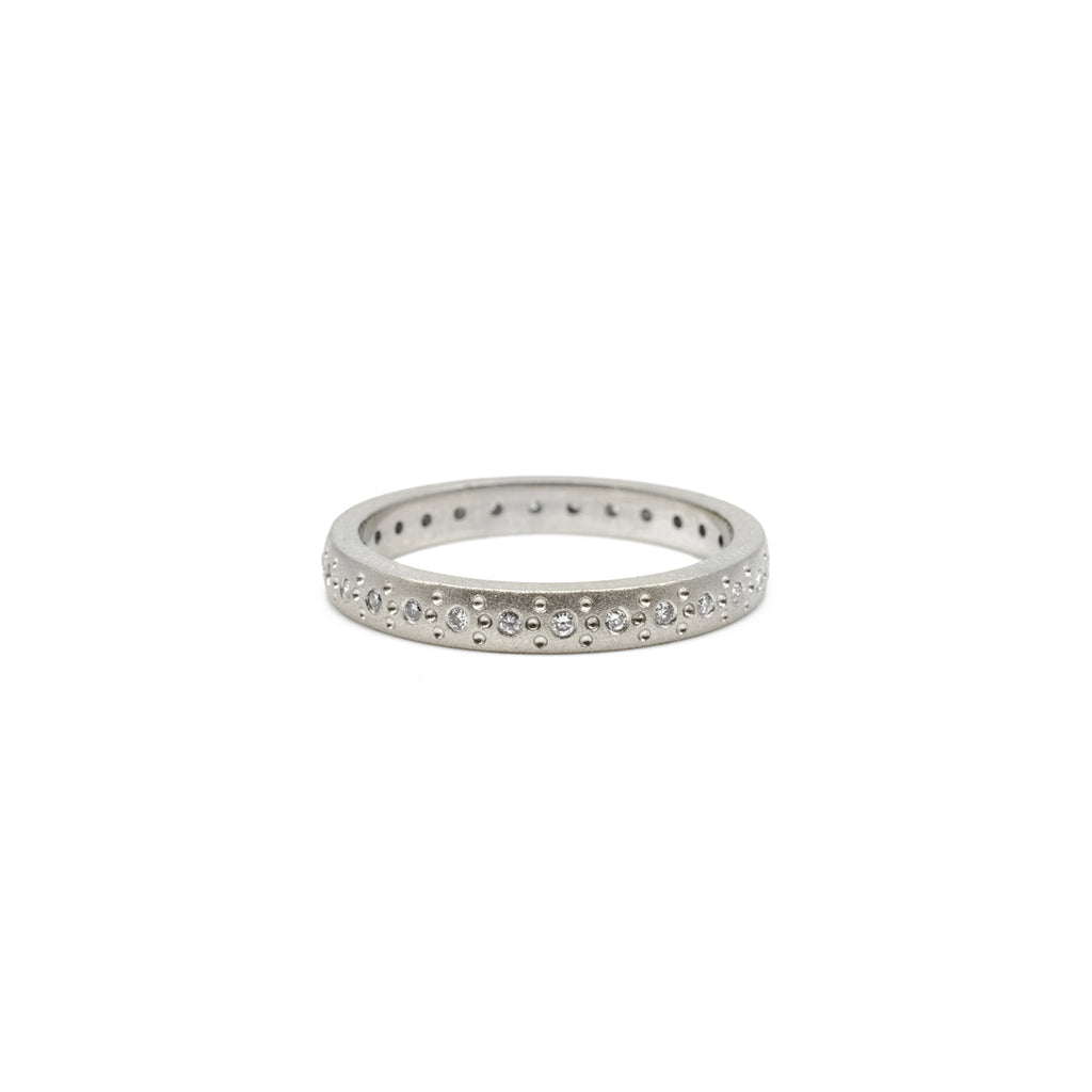 Medium White Gold Patterned Band