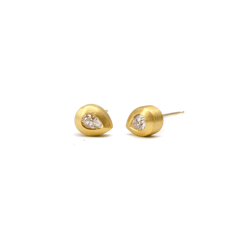 22k Pear Diamond Studs