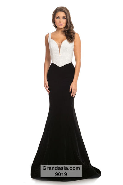 Johnathan Kayne 9019 Prom Dress