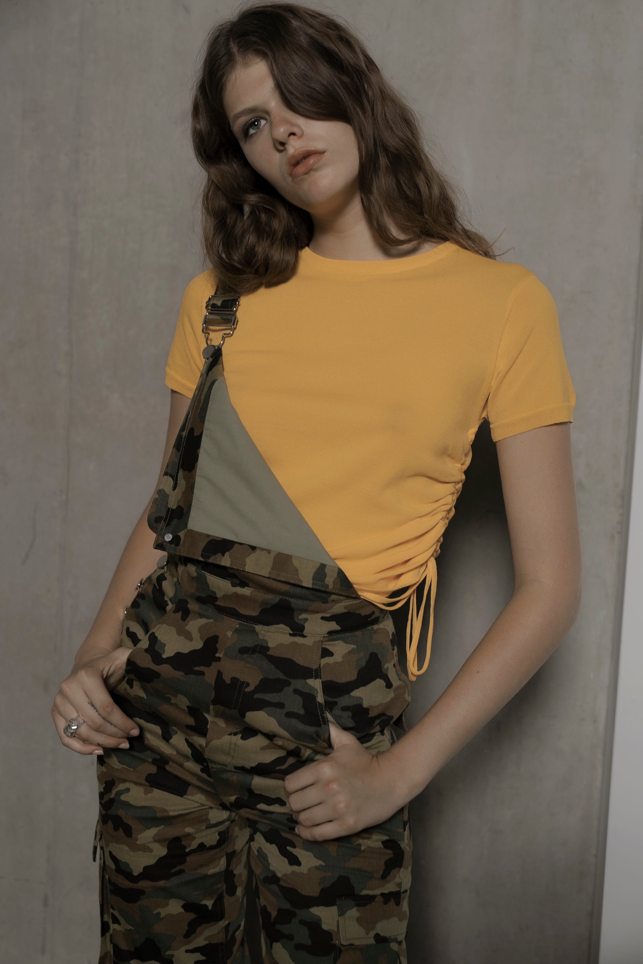 Alicia Rouge T-shirt in yellow