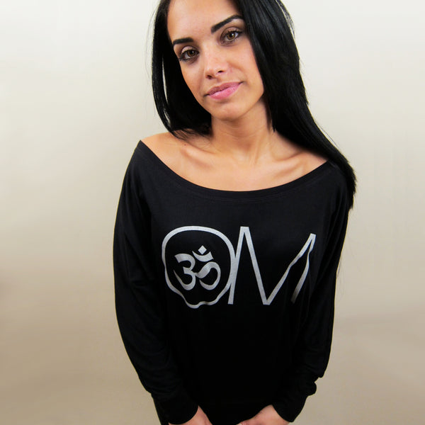 OVERSIZE OM ~ BLACK WOMAN FLOWY LONG SLEEVES