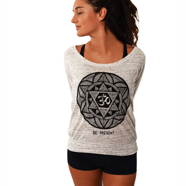 BE PRESENT FLOWY LONG SLEEVES - Funky Yoga  Gear & Accessories