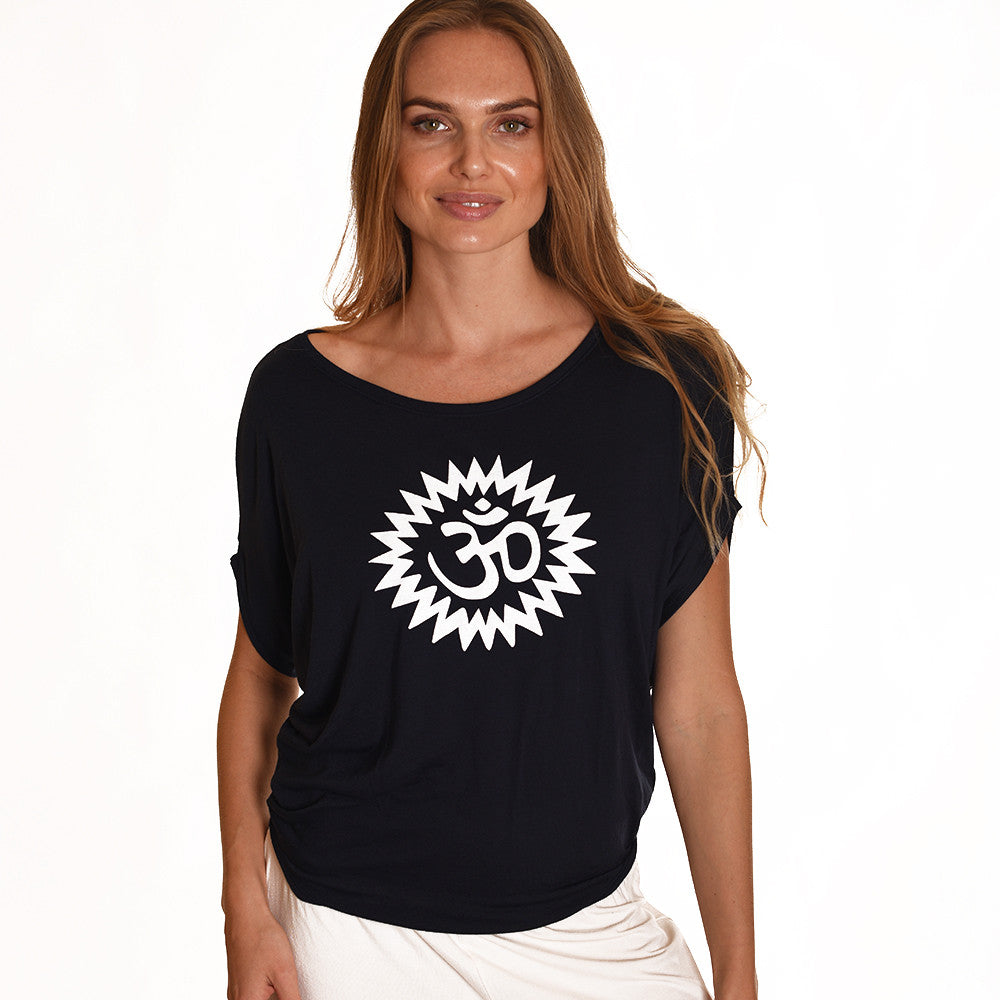 OM POWER ~ BLACK FLOWY CIRCLE TOP