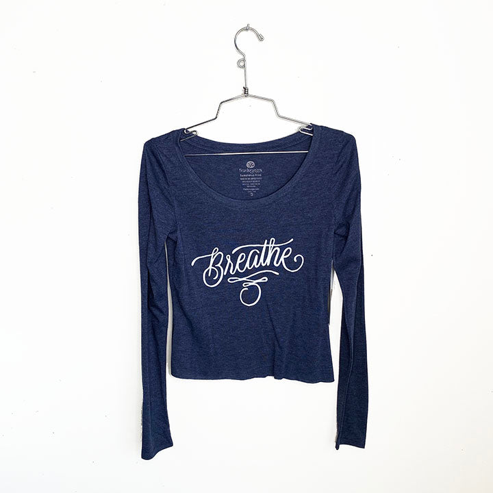 BREATHE TATTOO ~ HEATHER NAVY SCOOP CROPPED TRIBLEND LONG