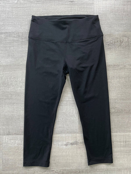 SOLID BLACK ~  REFLEX  CAPRI YOGA PANTS