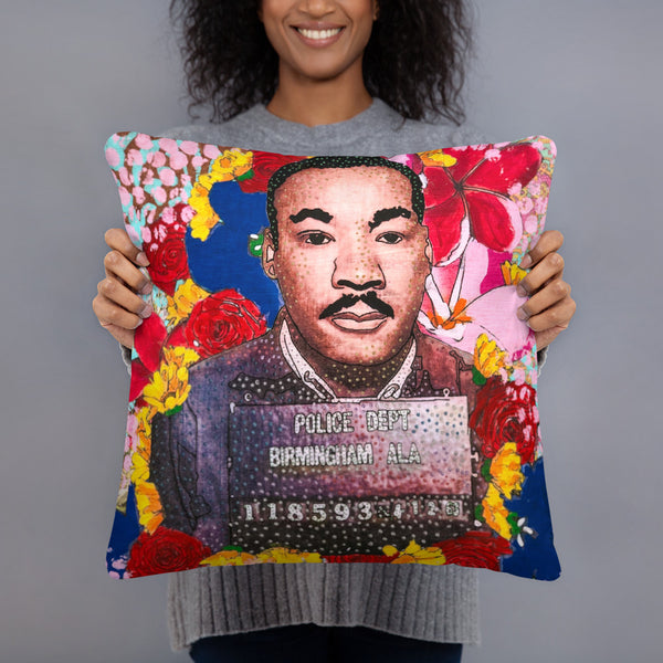 Martyr Martin Basic Pillow - ComfiArt