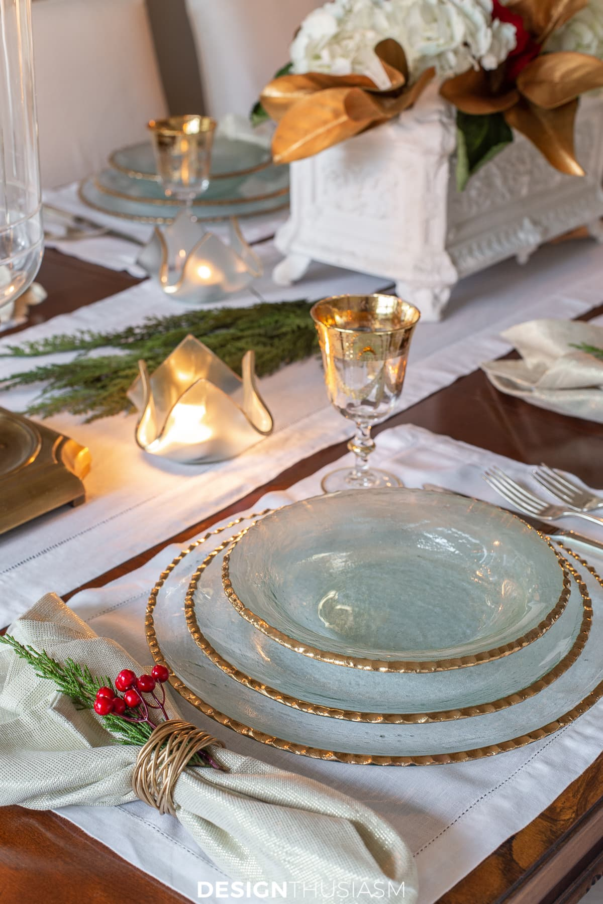Edgey tablesetting, holiday decor, votives with candles