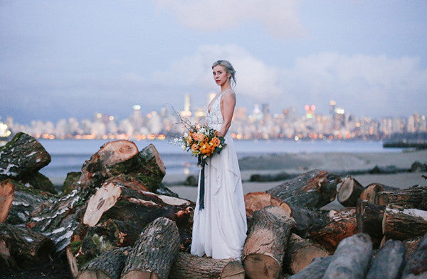 leah-moyers-photography-ocean-bride