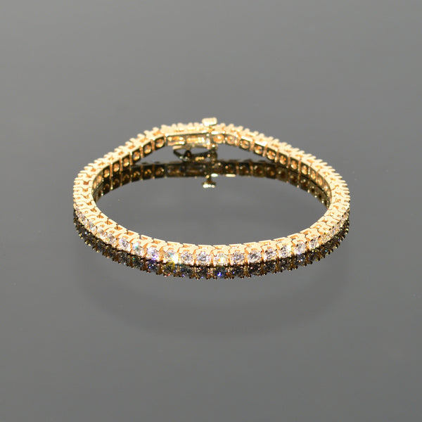 Classic Diamond Tennis Bracelet in Yellow Gold
