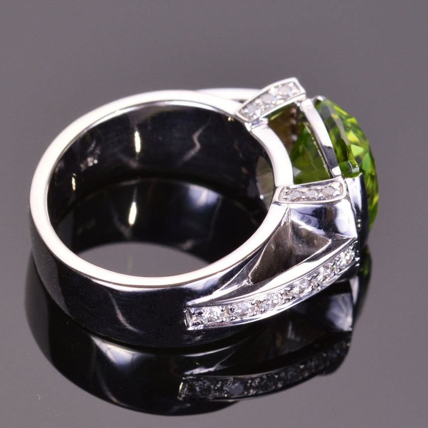 cushion peridot and diamond modern ring