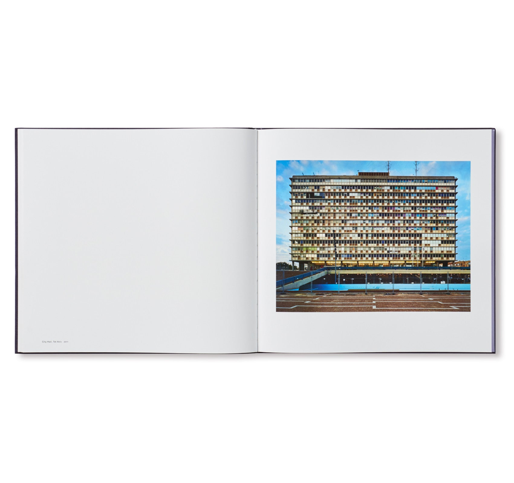 THOMAS STRUTH by Thomas Struth