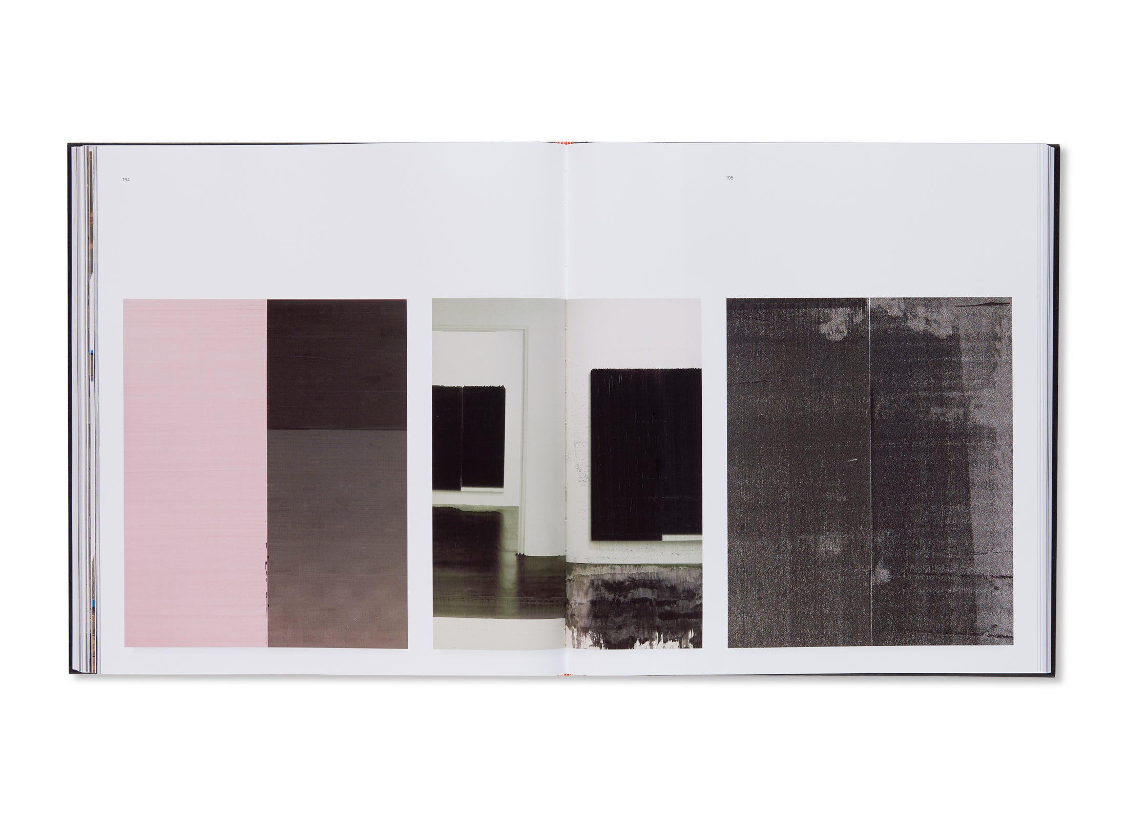 DAS NEW YORKER ATELIER MUSEUM BRANDHORST by Wade Guyton
