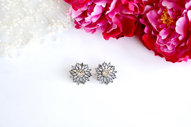 Antique silver boho chic earrings from divuscreations