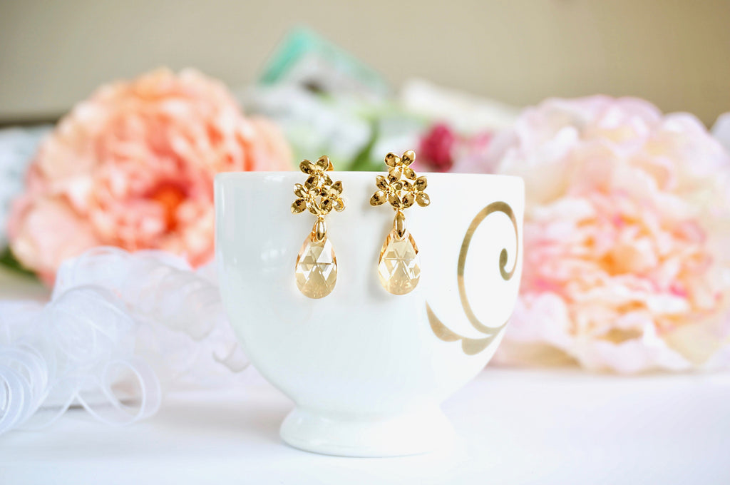 Golden earrings made in India divuscreations, jewellery made with Swarovski crystals