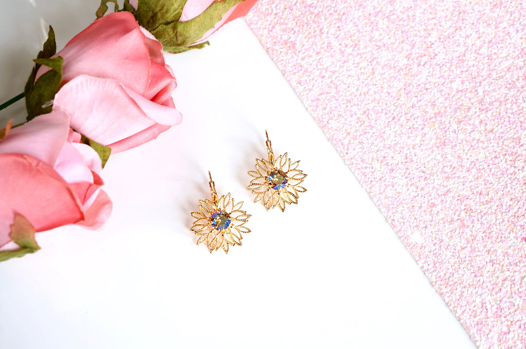 Gold plated floral earrings divus india