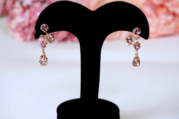 rose gold earrings from divus India