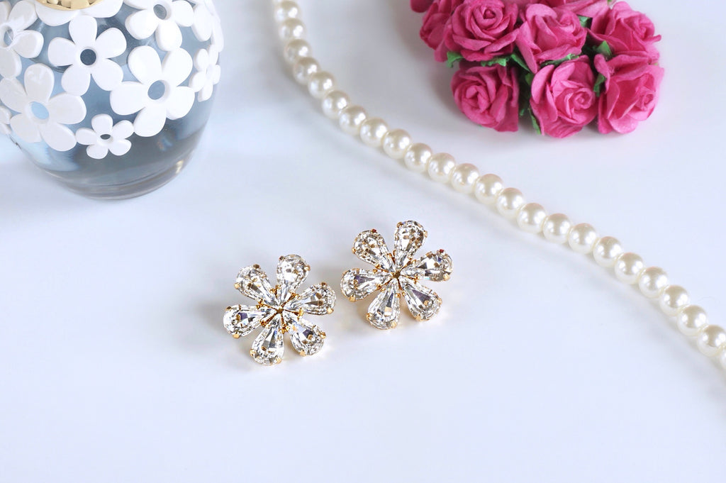 Elegant white crystal earrings made with Swarovski elements online at divuscreations