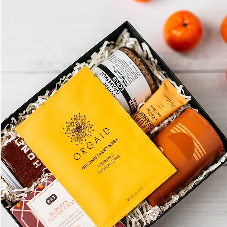 A warm, seasonal way to pamper & soothe the day away! With refreshing, citrus essentials like a Vitamin C Mask, spiced Chai Tea, and Coffee & Grapefruit body scrub this gift heals, rejuvenates & spoils all in one.