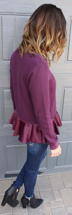 Chic Sweatshirt with Ruffles