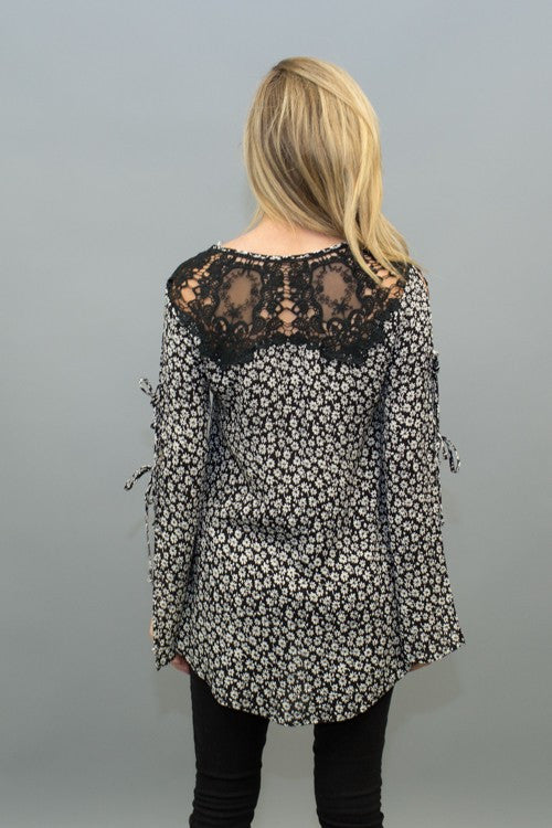 Flower Print Open Sleeves Blouse With Back Patch