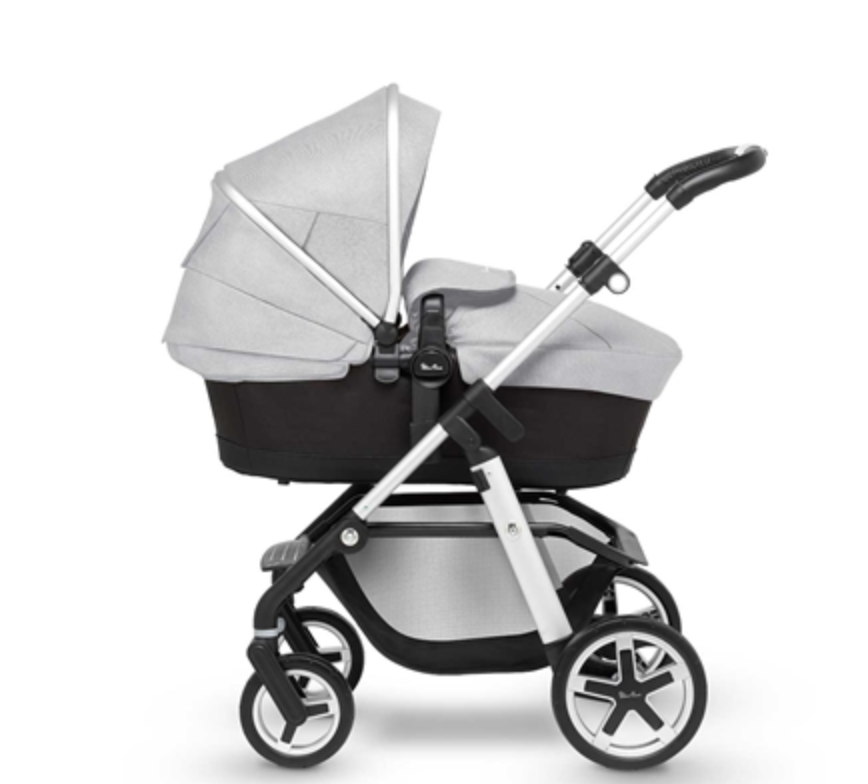 Pioneer Platinum with carrycot