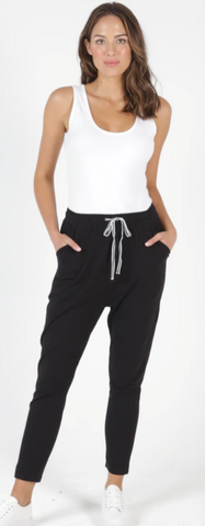 Betty Basics Jade Drop Pants-Black