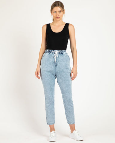 Betty Basics Jesse Jeans - Stone Wash Blue