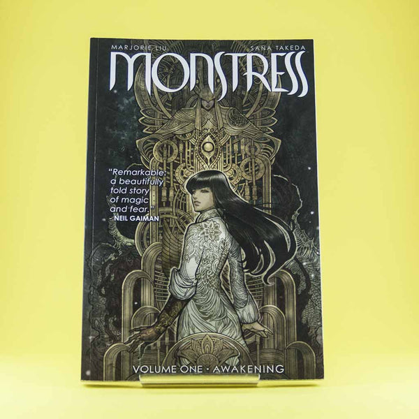 Monstress TP Vol. 1: Awakening | Previews · Tomos | Wash Cómics