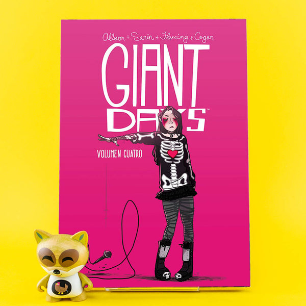 Cómic Giant Days 4 de SD DISTRIBUCIONES | Wash Cómics