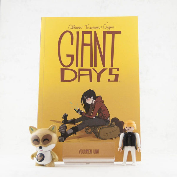 Giant Days 1 | Americano | Wash Cómics