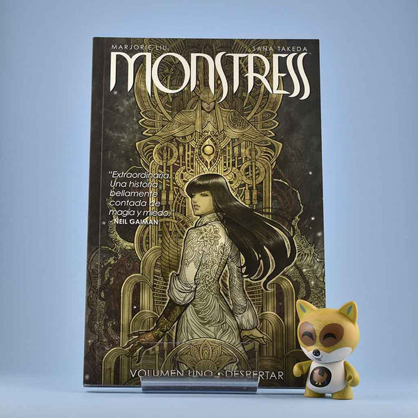 Cómic Monstress Vol. 1: El Despertar de NORMA | Wash Cómics