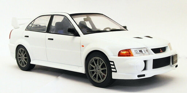 IXO 18CMC013 Mitsubishi Lancer RS Evolution VI - White