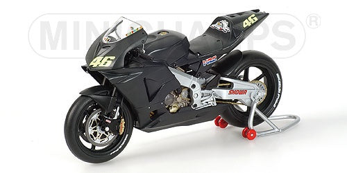 Minichamps 122027946 Honda RC211V - Valentino Rossi - Test Bike 2002