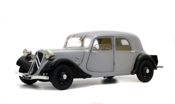 Solido 1800904 1937 Citroen Traction Avant 11B - Silver over Black
