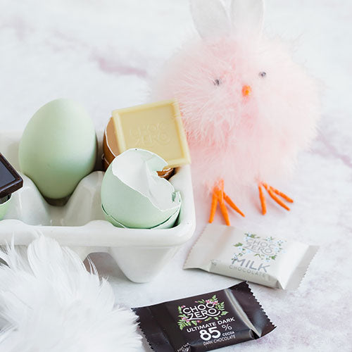 Fluffy easter chick with keto chocolate squares