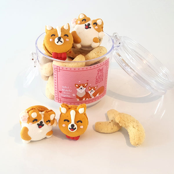 Low GI Vanillakipferle and Corgi Macaron Set